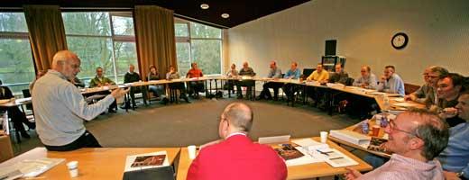 Plenaire vergadering van medewerkers van een coöperatie